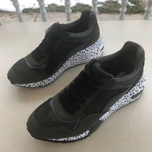 Steve Madden Cliff Bena Camo Sneakers Wedge Sz 8.5